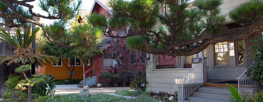 banner-front-garden